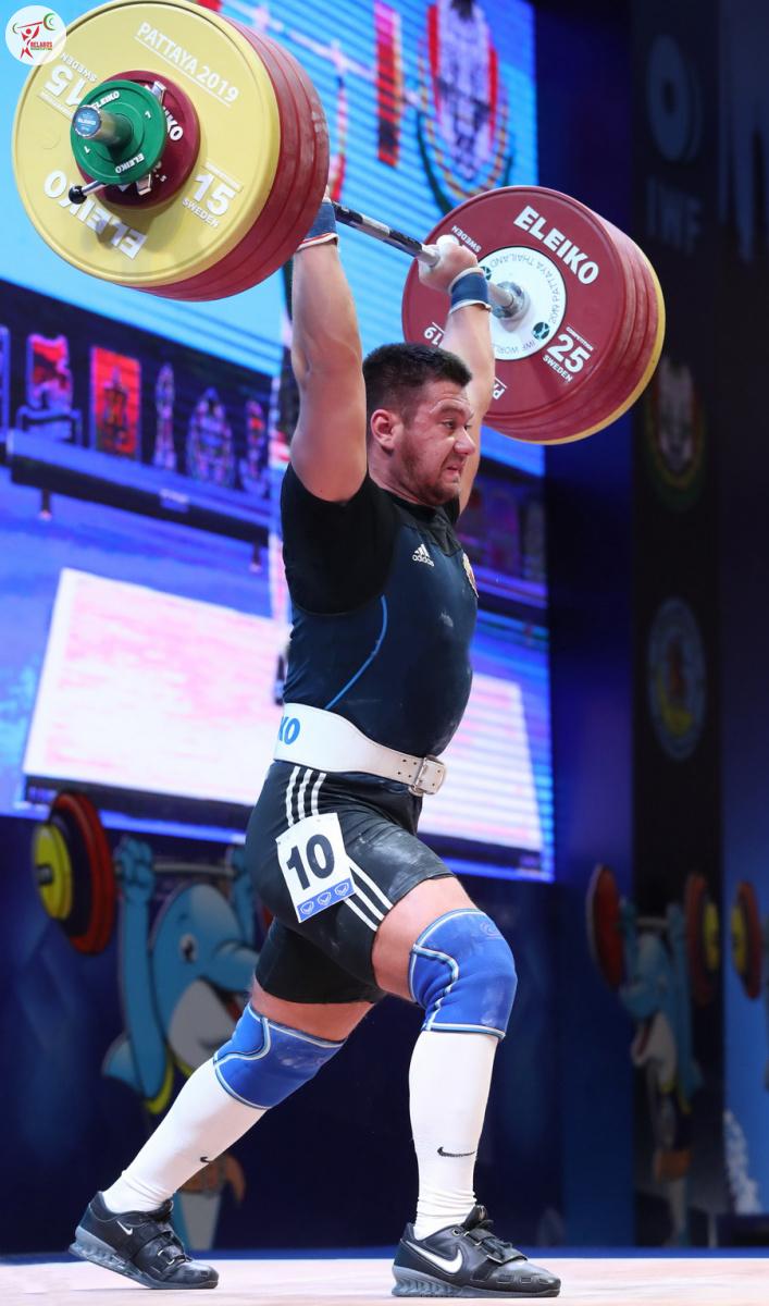 Євген Тіхонцов - поштовх 212 кг